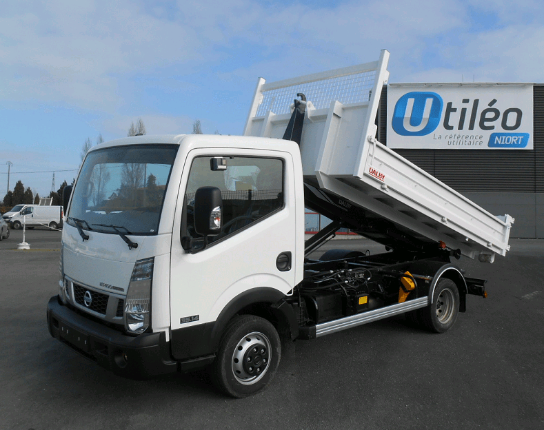 Nissan cabstar NT400 35.14 Polybenne Dalby - 2