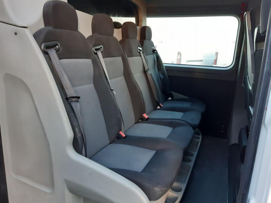 Location d'un fourgon double cabine - Renault Master L2H2 DC - Vue6