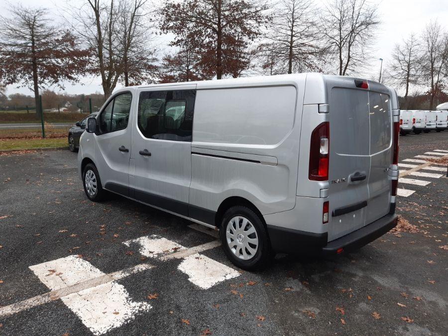 Location d'un fourgon double cabine - Renault Trafic CAB APP - Vue3