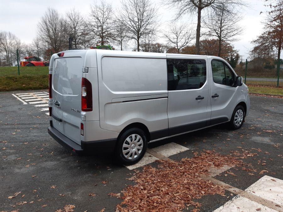 Location d'un fourgon double cabine - Renault Trafic CAB APP - Vue4