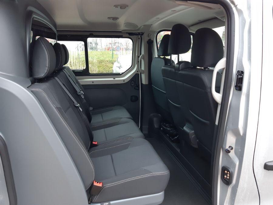 Location d'un fourgon double cabine - Renault Trafic CAB APP - Vue6