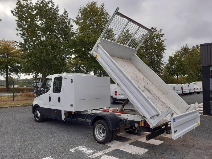 Location d'un utilitaire benne - Iveco Daily Double Cabine RJ - Vue4