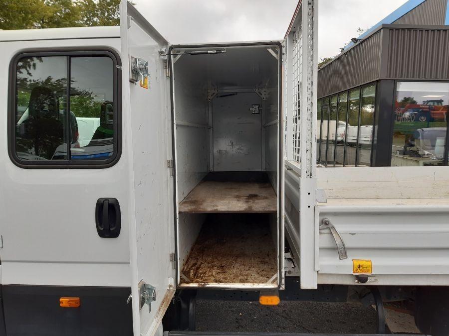 Location d'un utilitaire benne - Iveco Daily Double Cabine RJ - Vue6