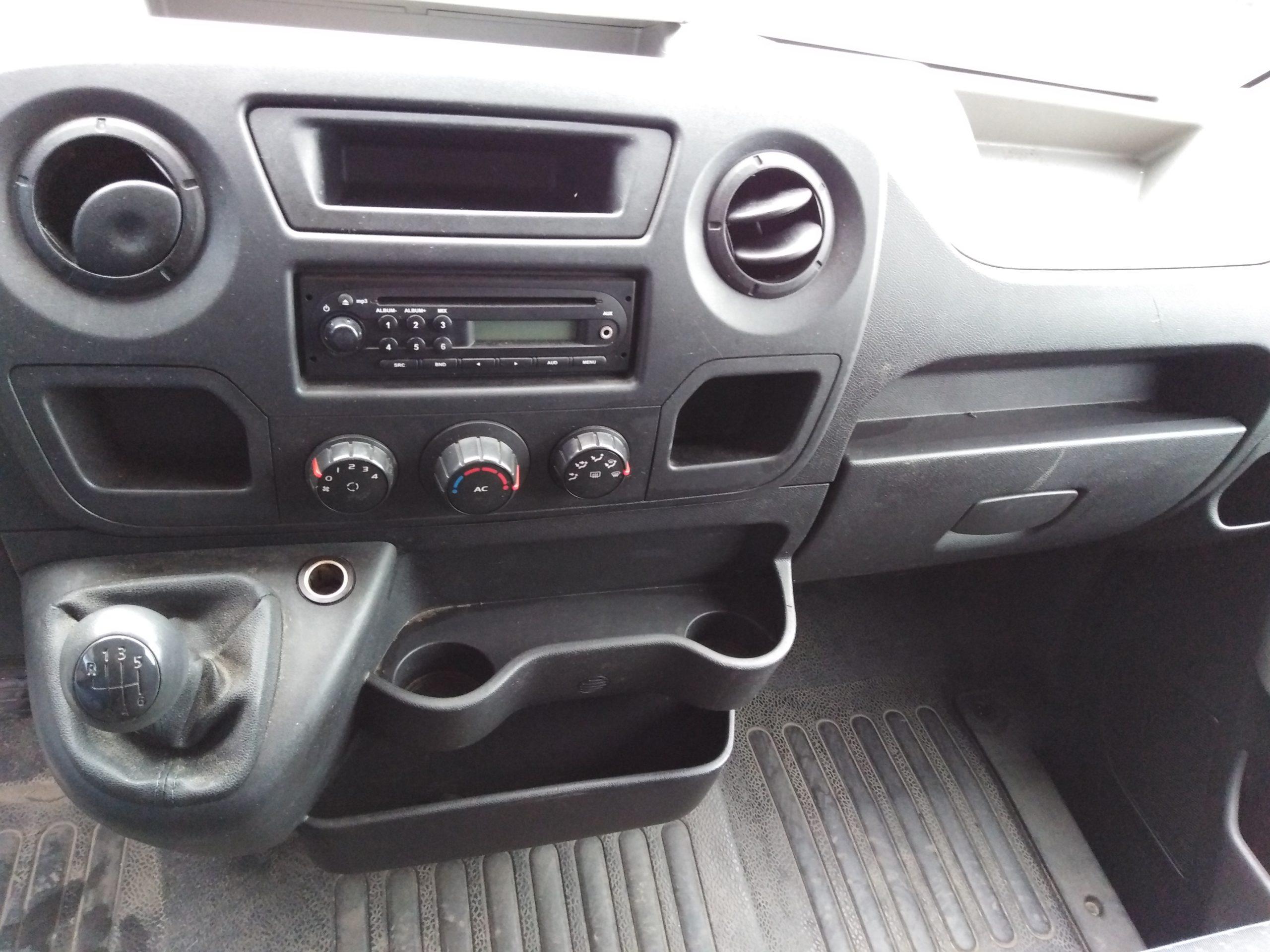 Location d'un utilitaire fourgon à caisse grand volume - Opel Movano 20m3 - Vue6