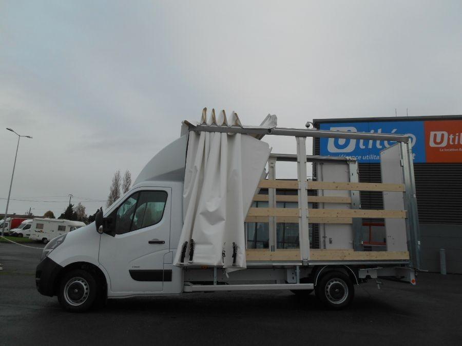 Location d'un utilitaire fourgon à caisse grand volume bâché - Opel Movano PLSC - Vue6