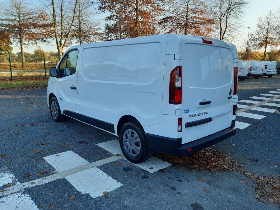 Location d'un utilitaire fourgon compact - Fiat Talento L1H1 5m3 - Vue4