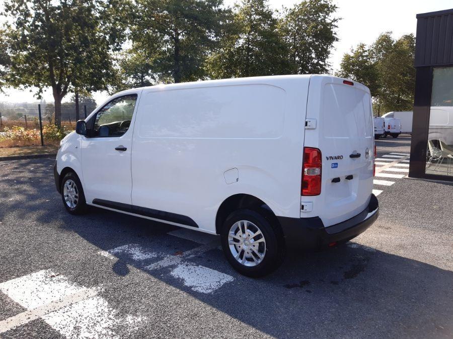 Location d'un utilitaire fourgon compact - Opel Vivaro L3 5m3 - Vue4