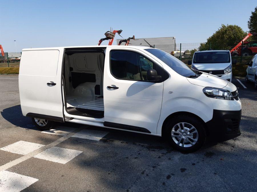 Location d'un utilitaire fourgon compact - Opel Vivaro L3 5m3 - Vue6