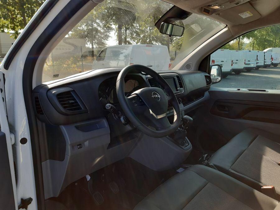 Location d'un utilitaire fourgon compact - Opel Vivaro L3 5m3 - Vue7