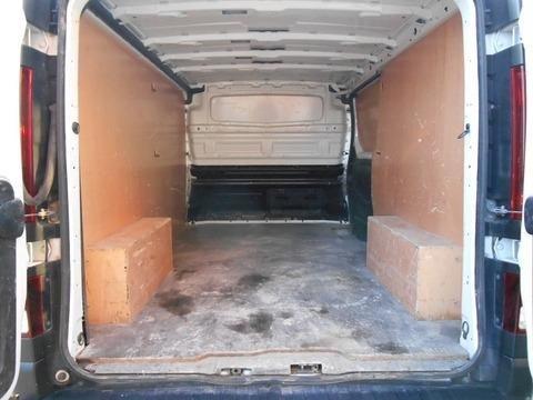 Location d'un utilitaire fourgon compact - Renault Trafic L2H1 5m3 - Vue6