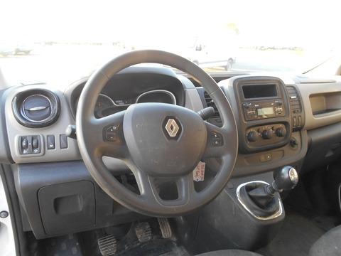 Location d'un utilitaire fourgon compact - Renault Trafic L2H1 5m3 - Vue7