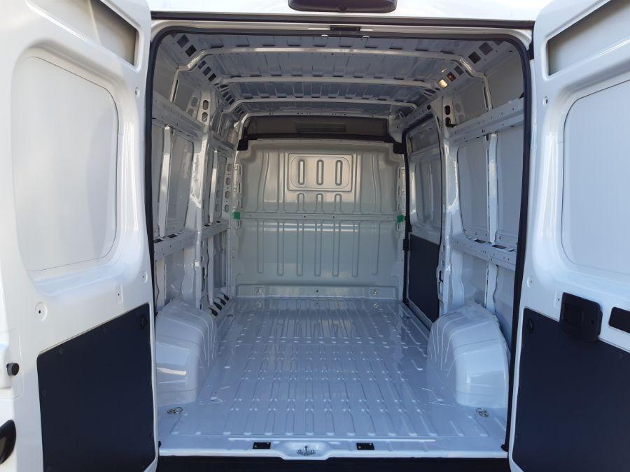 Location d'un utilitaire fourgon maxi surélevé - Fiat Ducato MH2 11m3 - Vue6
