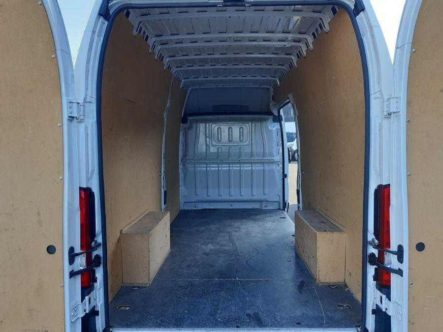 Location d'un utilitaire fourgon maxi surélevé - Peugeot Boxer L4H3 16m3 - Vue4