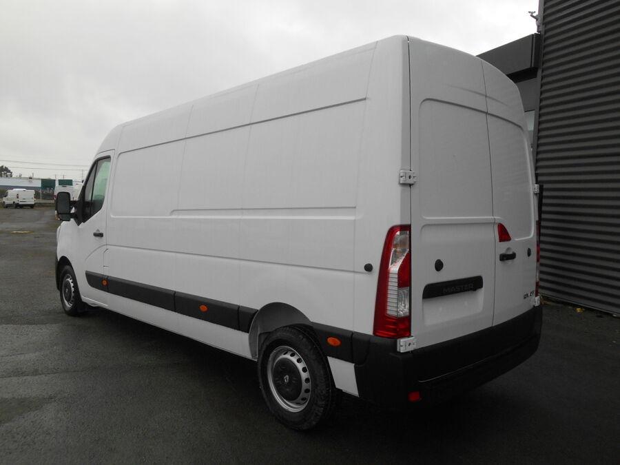 Location d'un utilitaire fourgon maxi surélevé - Renault Master L3H2 12m3 - Vue4