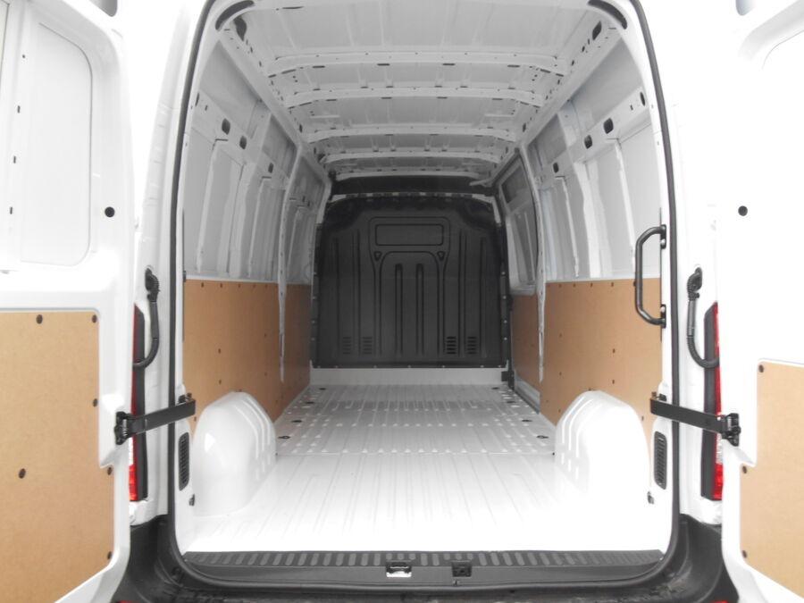 Location d'un utilitaire fourgon maxi surélevé - Renault Master L3H2 12m3 - Vue5
