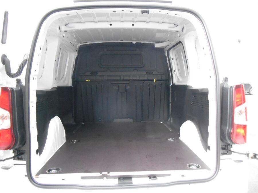 Location d'un utilitaire fourgonnette - Opel Combo L1H1-L2H1 3m3 - Vue5
