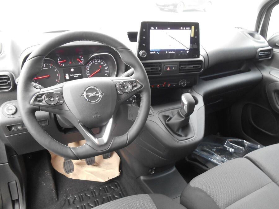 Location d'un utilitaire fourgonnette - Opel Combo L1H1-L2H1 3m3 - Vue7
