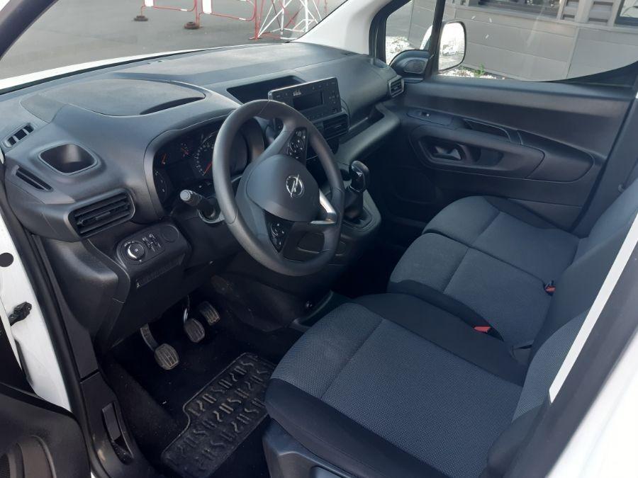 Location d'un utilitaire fourgonnette - Opel Combo L1H1-L2H1 3m3 - Vue8