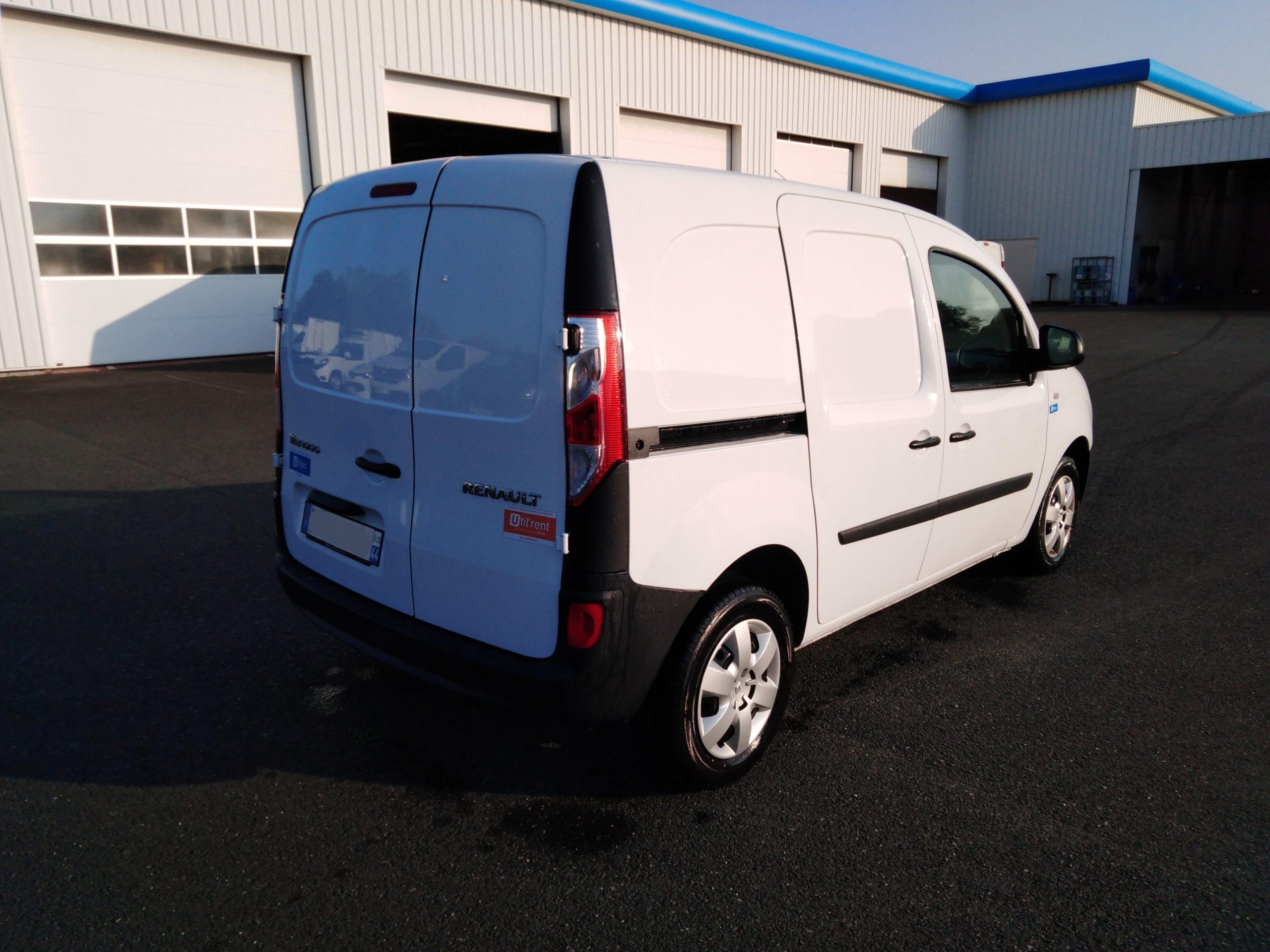 Location d'un utilitaire fourgonnette - Renault Kangoo L1H1-L2H1 3m3 - Vue2