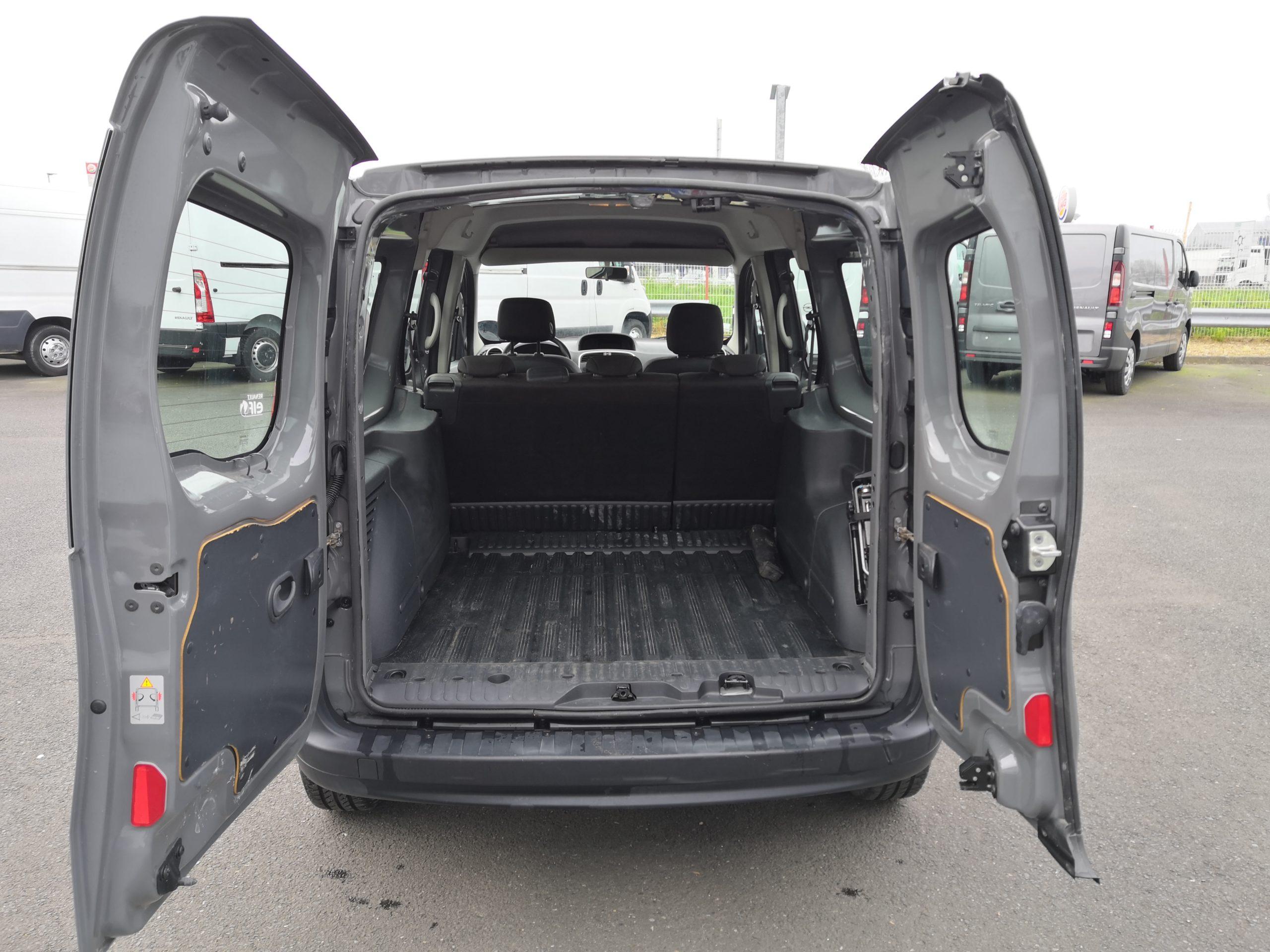 Location d'un utilitaire fourgonnette double cabine - Renault Kangoo -Vue5