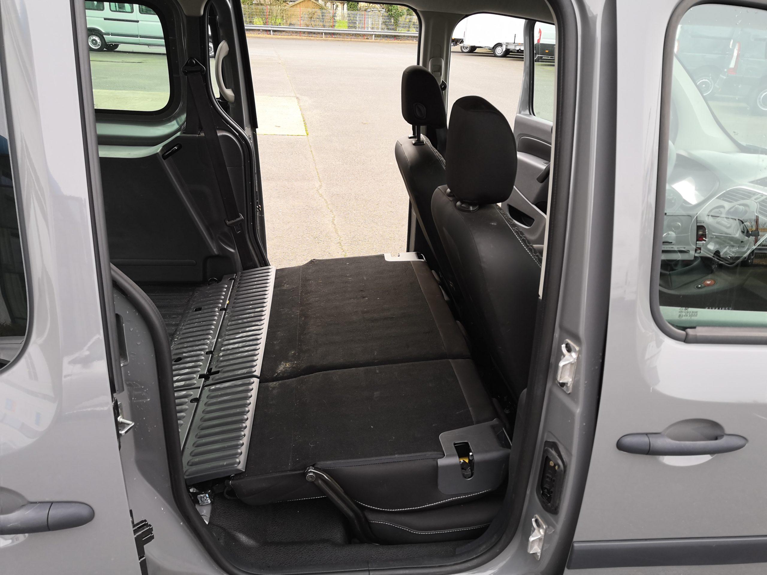 Location d'un utilitaire fourgonnette double cabine - Renault Kangoo -Vue6