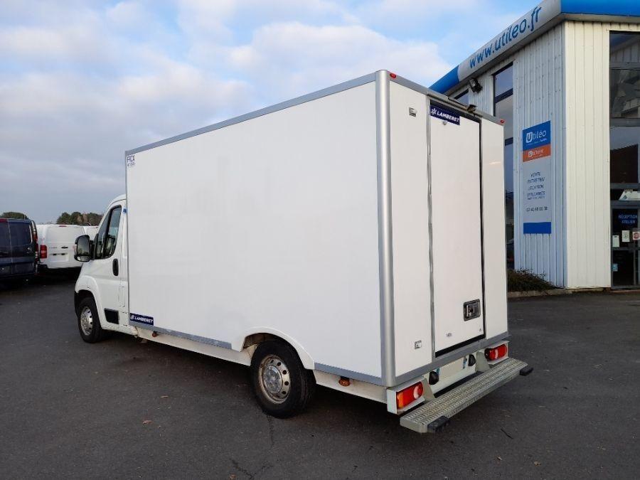 Location d'un utilitaire frigorifique - Peugeot Boxer - Vue4