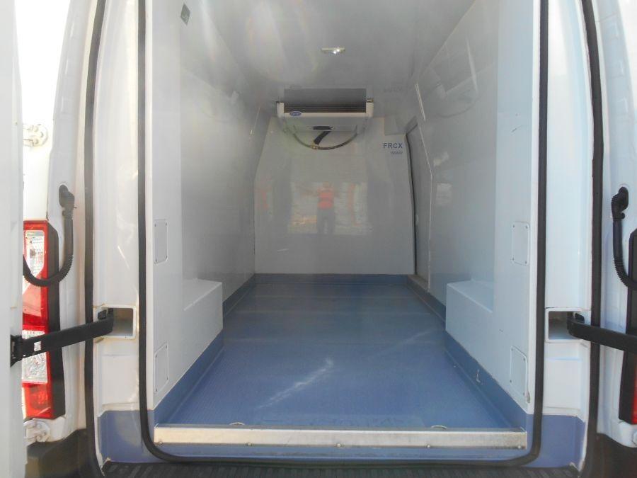 Location d'un utilitaire frigorifique - Renault Master - Vue6