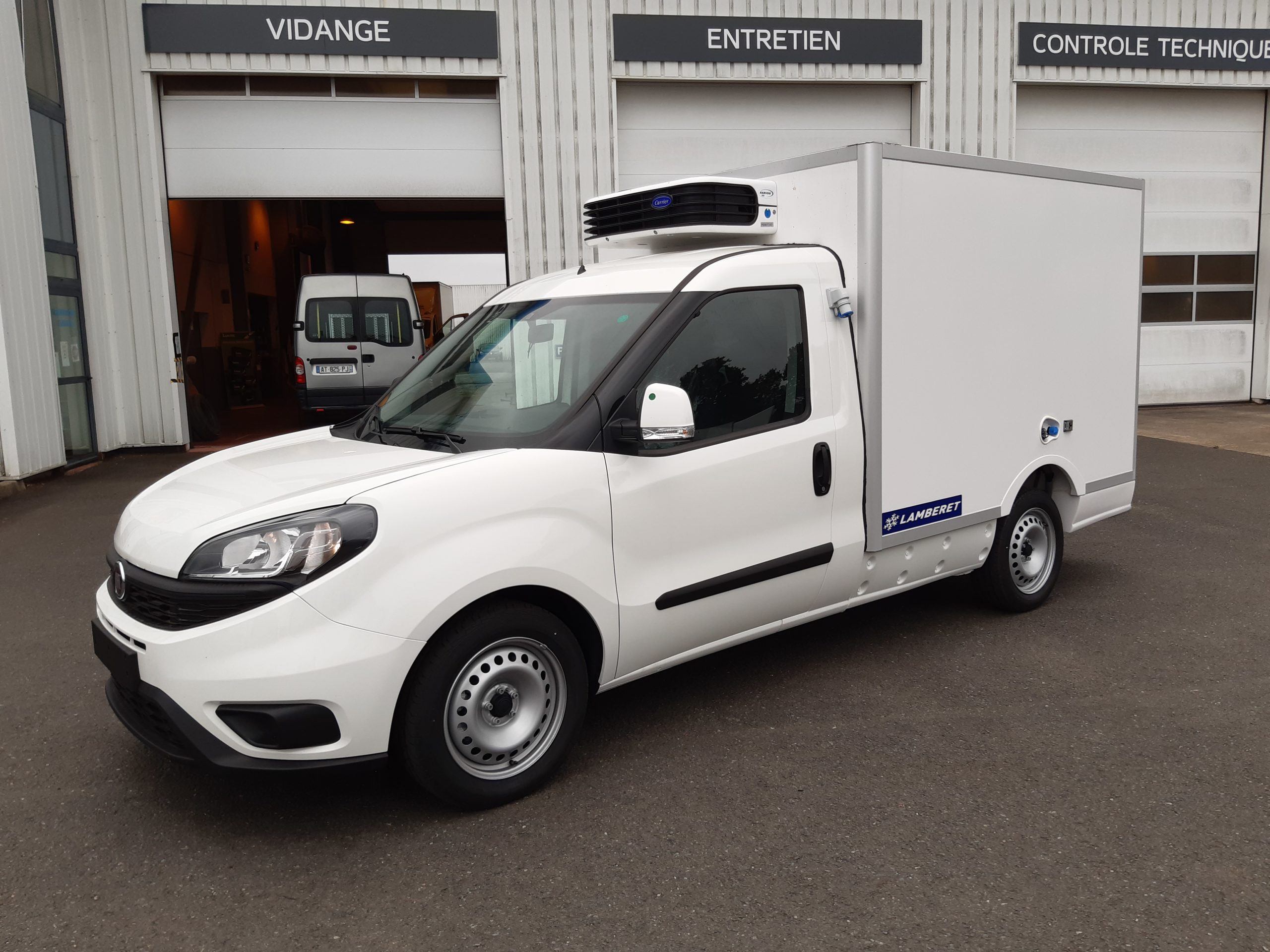 Location d'un utilitaire frigorifique plancher cabine 3m3 - Fiat Doblo Cargo -Vue1