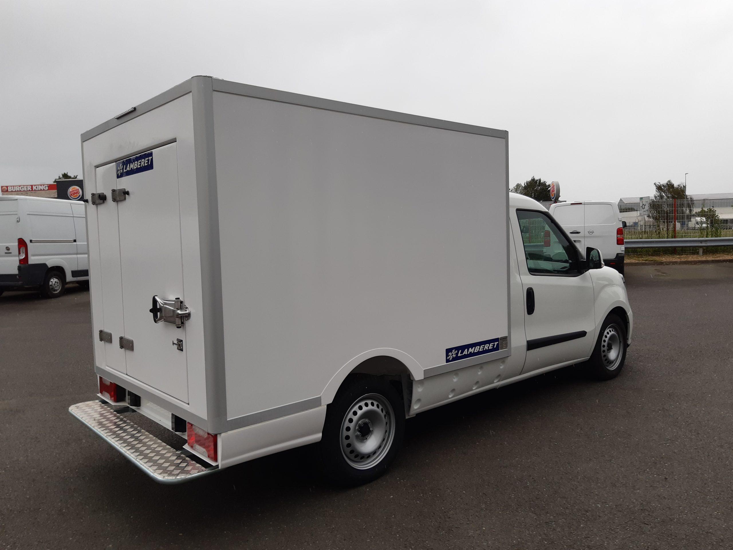 Location d'un utilitaire frigorifique plancher cabine 3m3 - Fiat Doblo Cargo -Vue3