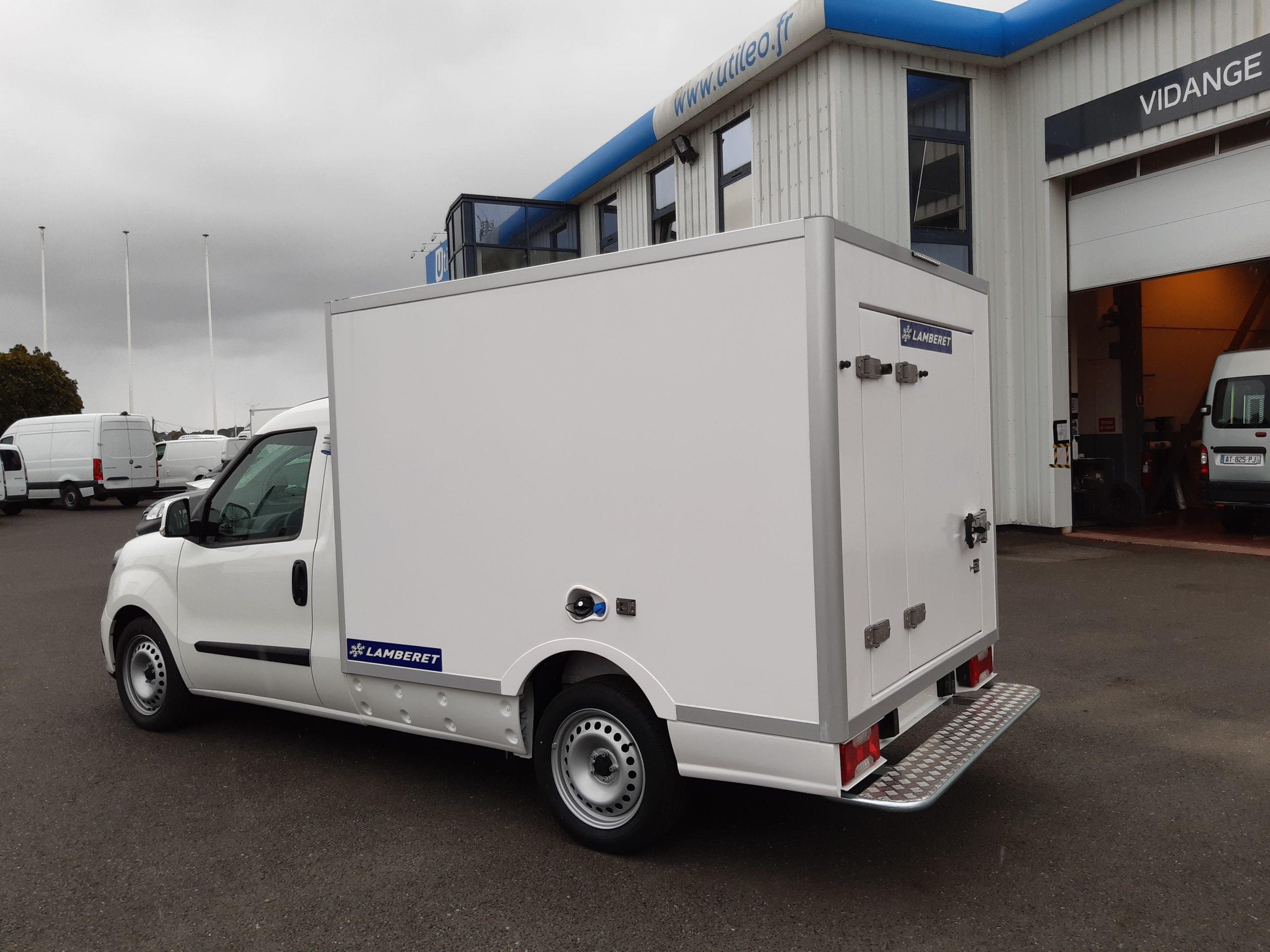 Location d'un utilitaire frigorifique plancher cabine 3m3 - Fiat Doblo Cargo -Vue4