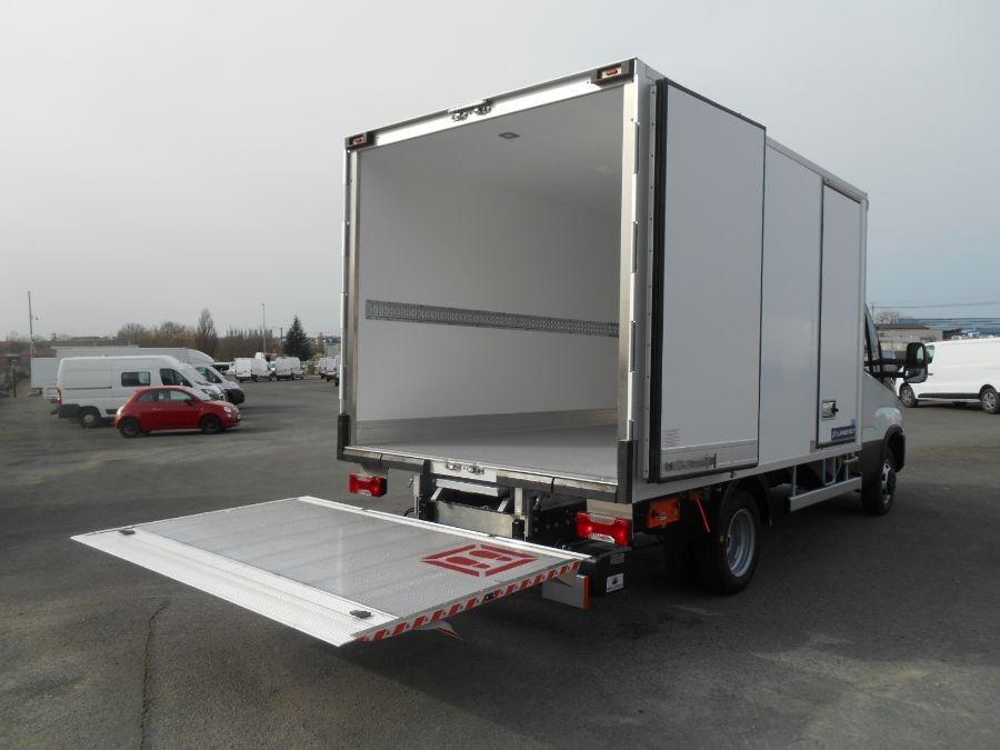 Location d'un utilitaire frigorifique plancher cabine-Iveco Daily-Vue4