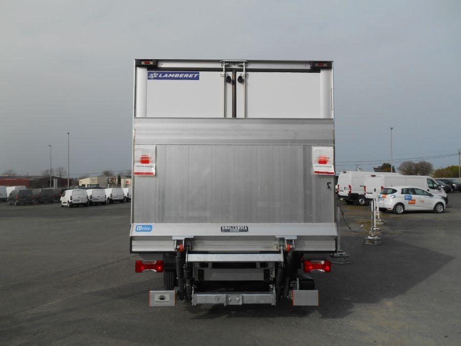 Location d'un utilitaire frigorifique plancher cabine-Iveco Daily-Vue6