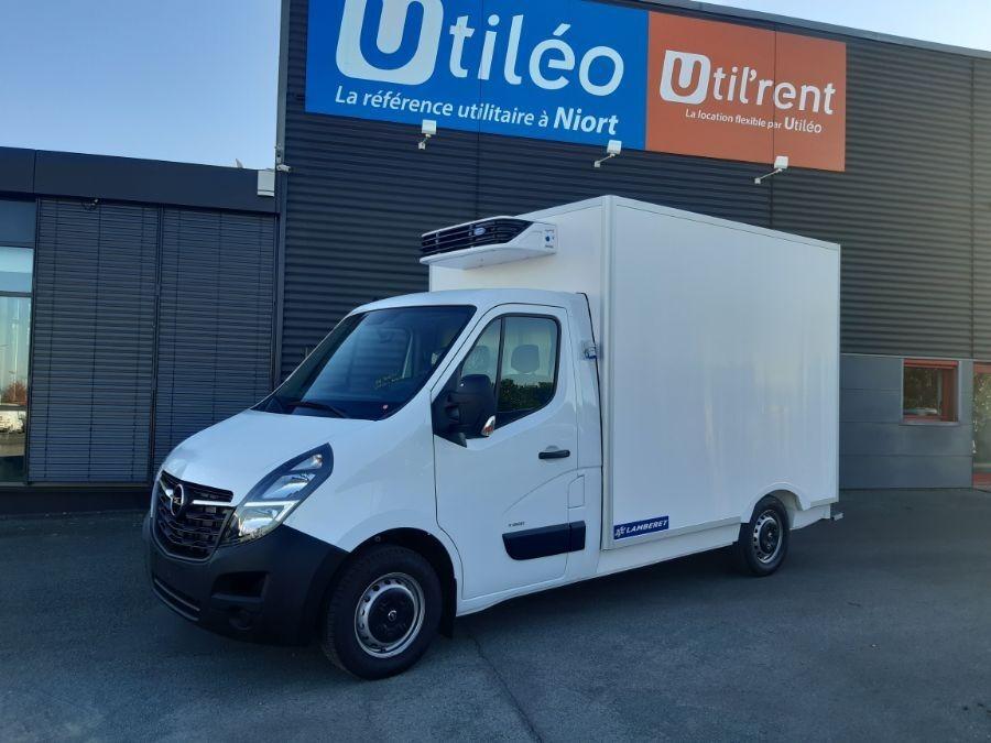 Location d'un utilitaire frigorifique plancher cabine - Opel Movano - Vue1