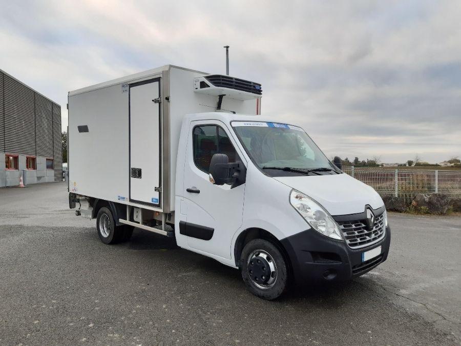 Location d'un utilitaire frigorifique plancher cabine-Renault Master -Vue2