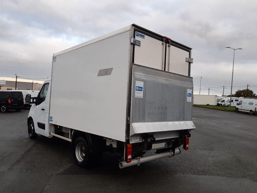 Location d'un utilitaire frigorifique plancher cabine-Renault Master -Vue4