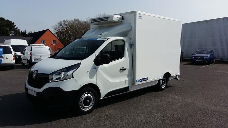 Location d'un utilitaire frigorifique plancher cabine - Renault Trafic - Vue1