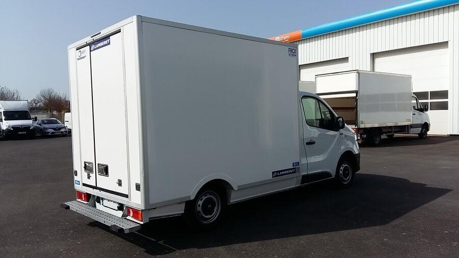 Location d'un utilitaire frigorifique plancher cabine - Renault Trafic - Vue3