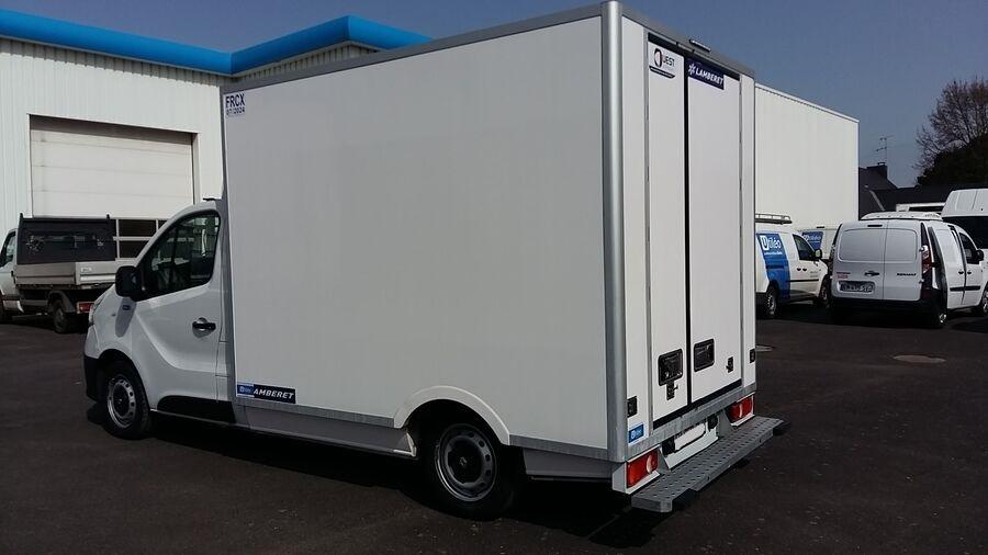 Location d'un utilitaire frigorifique plancher cabine - Renault Trafic - Vue4