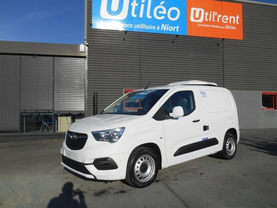 Location d'un utilitaire frigorifique tôlé 3m3 - Opel Combo Cargo Frigo - Vue1
