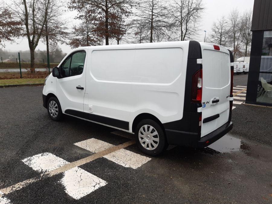 Location d'un utilitaire frigorifique tôlé 4 à 6m3 - Renault Trafic - Vue4