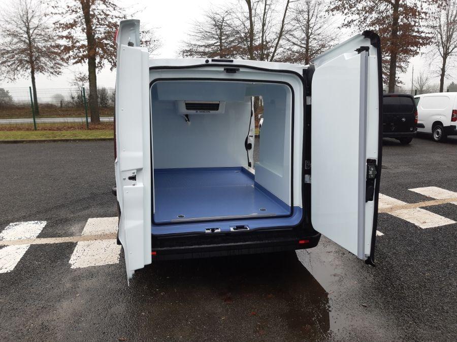 Location d'un utilitaire frigorifique tôlé 4 à 6m3 - Renault Trafic - Vue6