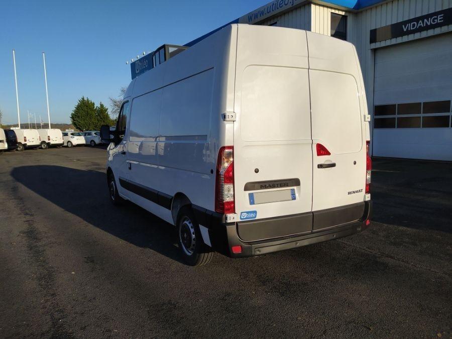 Location d'un utilitaire frigorifique tôlé -Renault Master L2H2 -Vue4