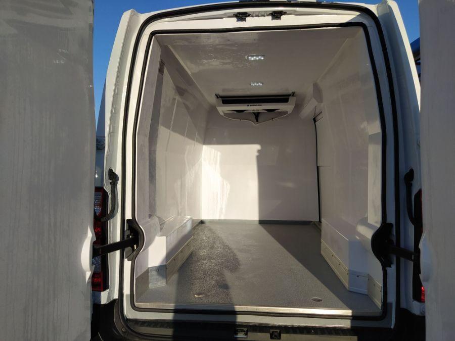 Location d'un utilitaire frigorifique tôlé -Renault Master L2H2 -Vue5