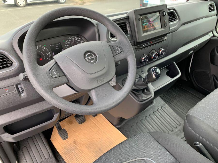 Location d'un utilitaire plateau - Opel Movano ampliroll - Vue8