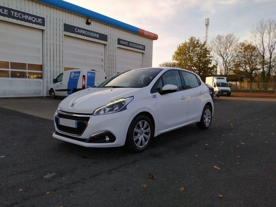 Location d'un véhicule de société - Peugeot 208 2 Places - Vue1