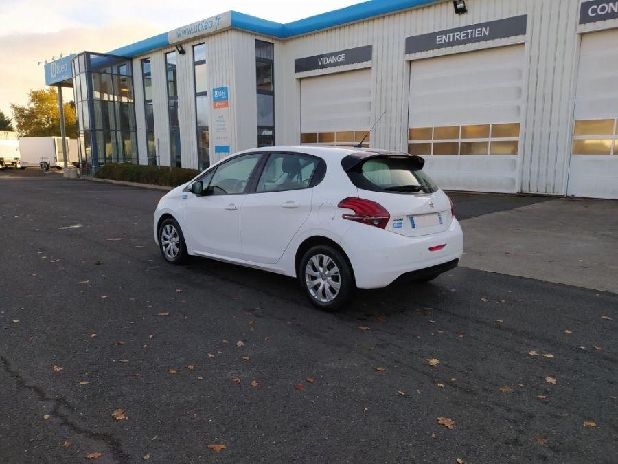 Location d'un véhicule de société - Peugeot 208 2 Places - Vue4