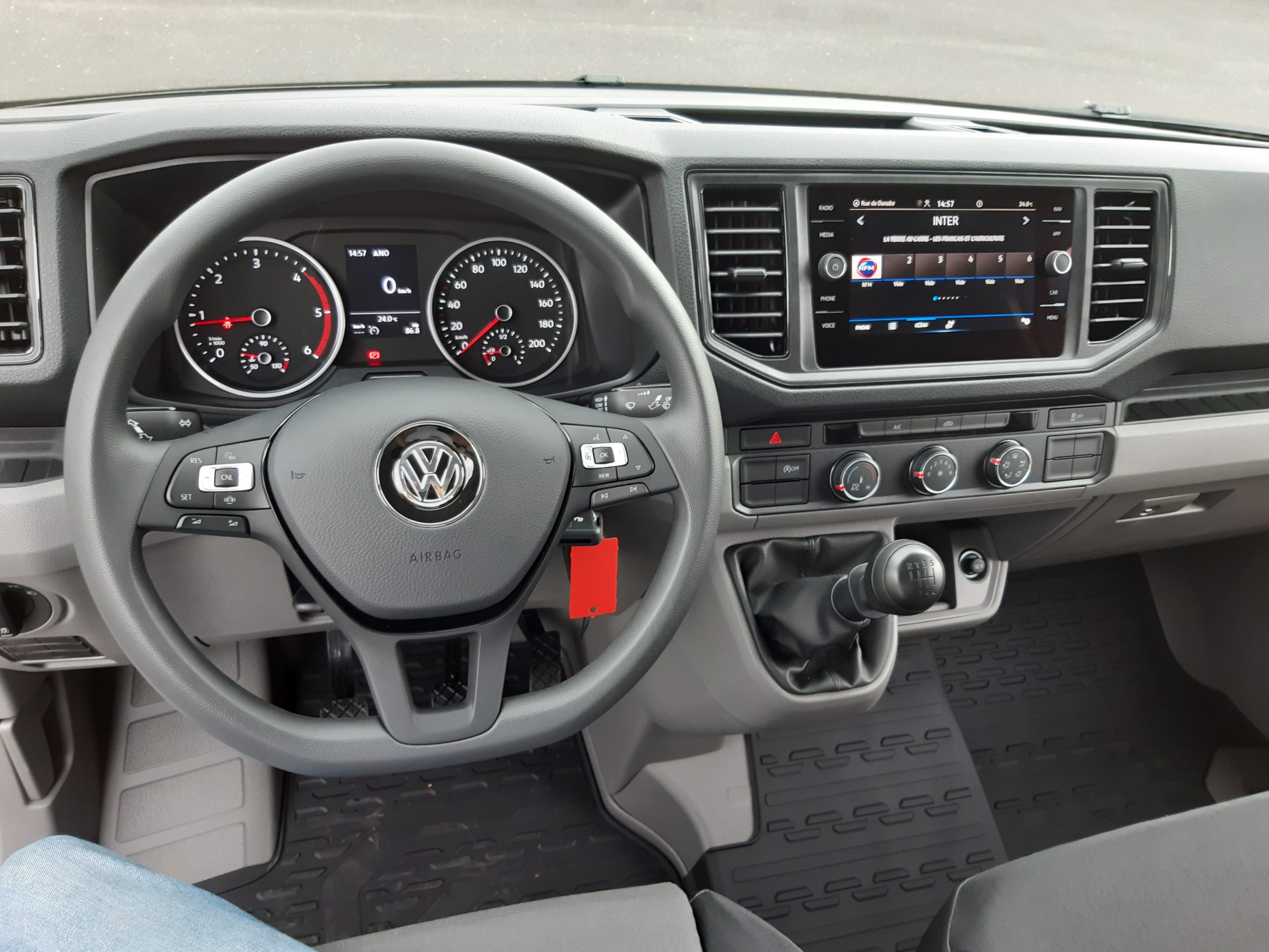 Location d'un utilitaire benne - Volkswagen Crafter benne et coffre - Vue8