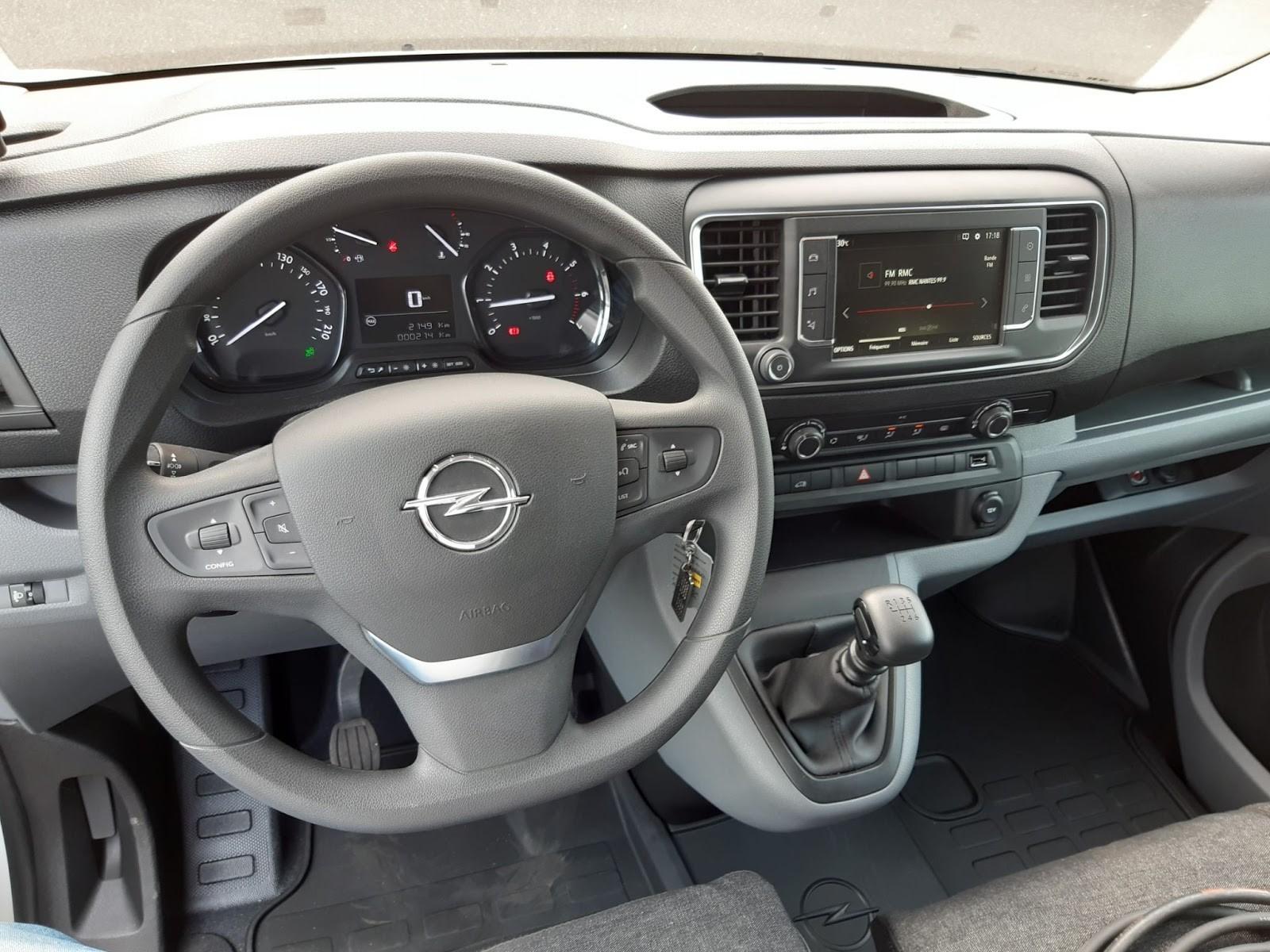 Location longue durée d'un fourgon compact frigorifique - Opel Vivaro L3 PACK BUSINESS - Vue4