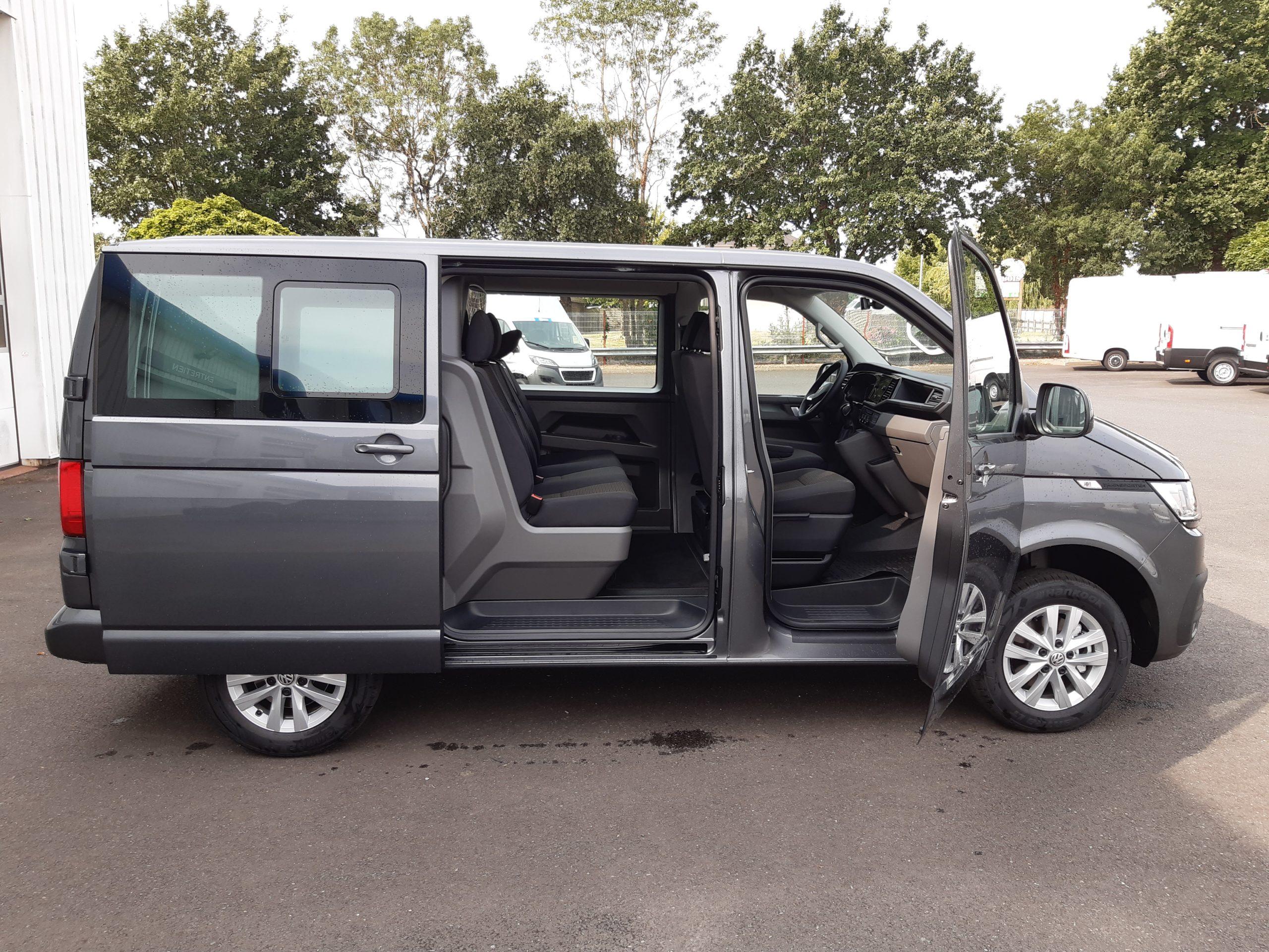 Location d'un fourgon compact double cabine - Volkswagen T6-1 Cabine APP -Vue12
