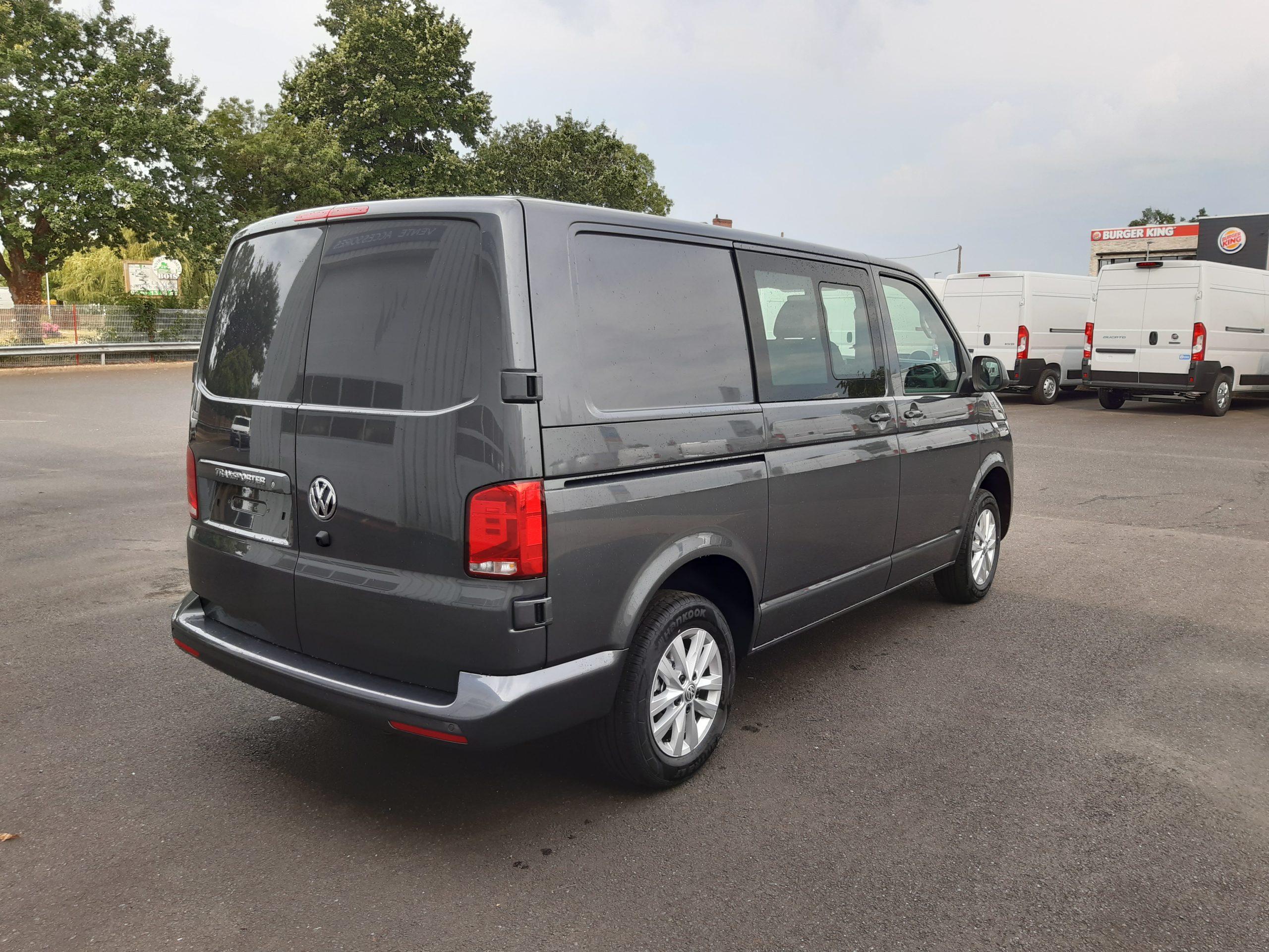 Location d'un fourgon compact double cabine - Volkswagen T6-1 Cabine APP - Vue4